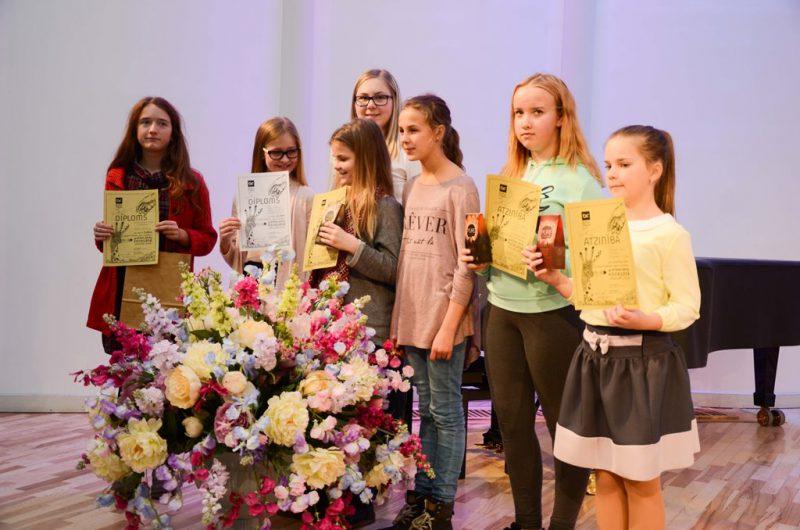 Tas ir pirmais grafikas konkurss Latvijas mākslas skolām. <a href=